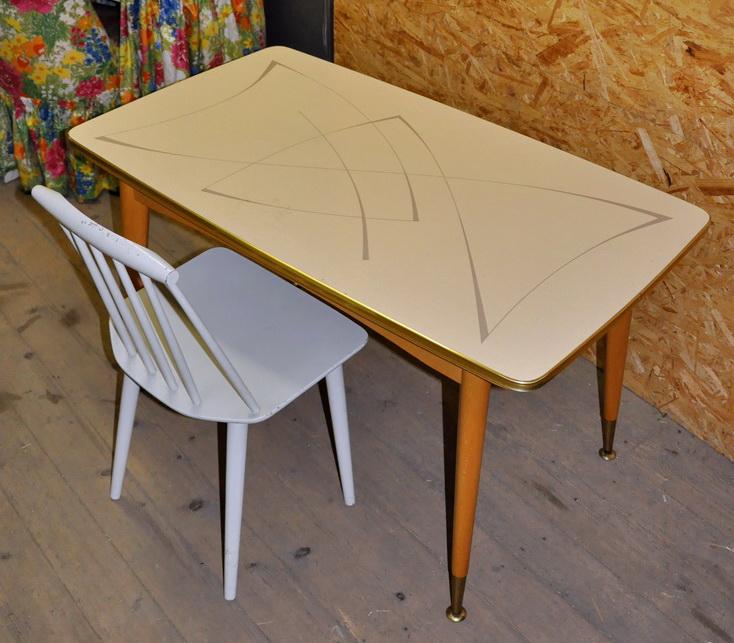50er jahre esstisch/dining table mit grafischer resopal-platte, Esstisch ideennn